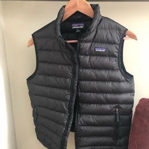 Black Patagonia Vest: Kids XL (fits wms small)